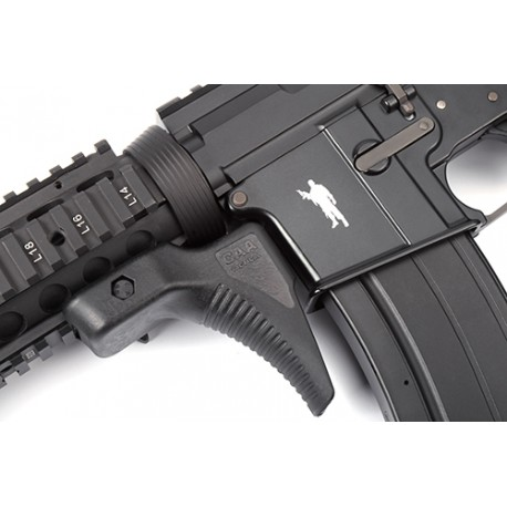 Curved CQB magazine grip